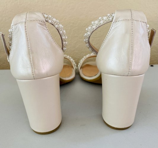 *Brand New* Custom Made Size 7 Wedding Shoes